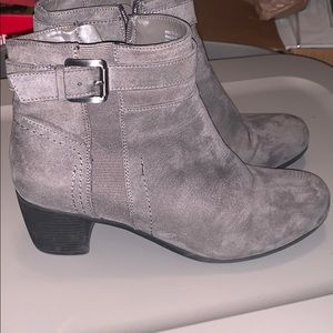 Croft and Borrow women's suede boots